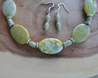19 Inch Lemon Jasper Five Focal Bead Necklace with Earrings