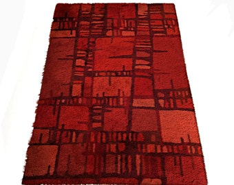 Swedish Mid-Century Red Abstract Rya Rug