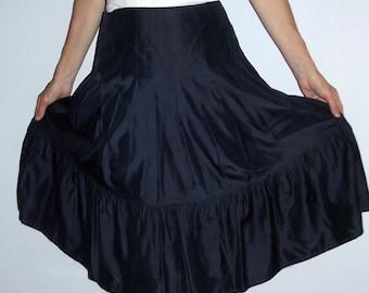 Black 100% silk  ruffled Women's  Skirt  size  S  4