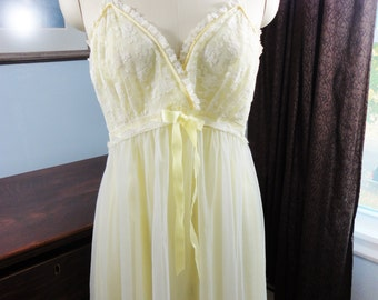 Vintage Gotham Lingerie Nightgown in Yellow - Sz 36 - Lace & Sheer Overlay - Satin Ribbon - Beautiful Condition