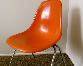 EAMES Fiberglass Side Chair in Orange - Stamped Herman Miller - Mid Century Chair