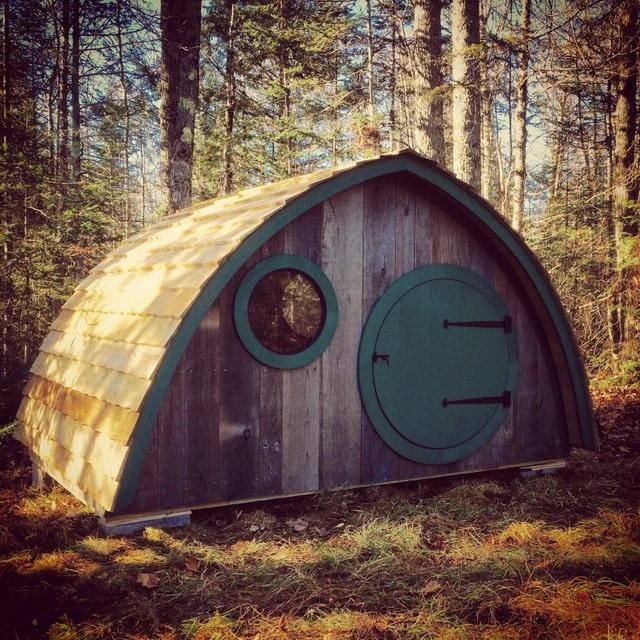 hobbit holes by wooden wonders von hobbitholes auf etsy. Black Bedroom Furniture Sets. Home Design Ideas