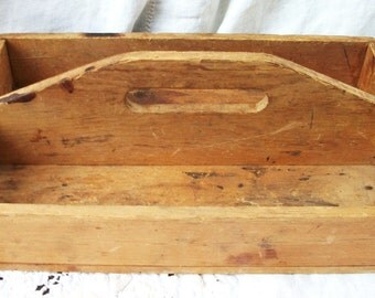 Cutlery / Knife Holder Primitive ~ Wooden Kitchen Tote  ~ Nifty Old Country Find ~ Vintage Farmhouse Wood ~  Shabby Cottage ~ Chic Decor