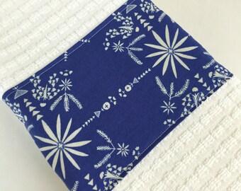 dish towel, hand towel, hostess gift, housewarming gift, modern, pretty towel, blue, indigo