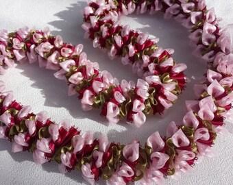 Sweet sweet pea ribbon lei