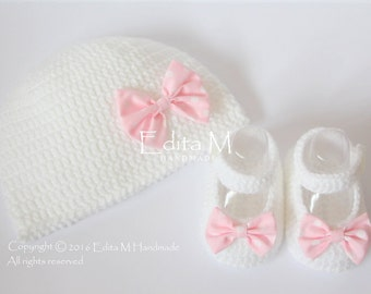 Sale. Crochet baby set, baby girl shoes, hat, Mary Janes, baby beanie, white, pink, bows, 0-3 months, baby shower, gift for baby, Baptism