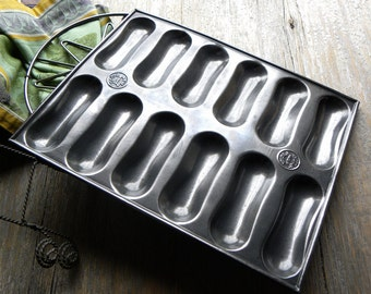 Antique FRENCH Bakery Cafe Larger Size Tin Embossed Rare LADY FINGER Mold Baking Tin Made In Britain, No Baked on Old Blackened Grease
