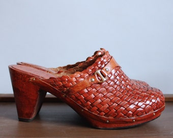 Vintage 70s Boho Mules Wood Heel 6 Brown Woven Platforms Woven Leather Wood Platform Clogs