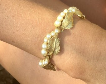 Vintage Trifari Pearl Bracelet Woodland bridal Greek Goddess Gold Leaf Leaves