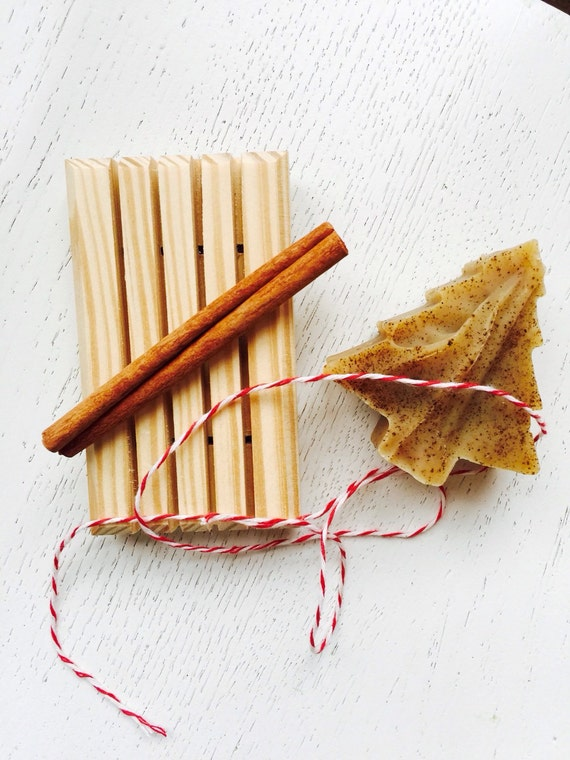 Holiday Tree Soap Set - Soap Gift Set - Cinnamon, Clove, and Honey, Christmas  Soap - Wooden Soap Dish gift set