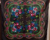 Russian Shawl. Ukrainian Scarf chale russe. Different colors shawls. Traditional Floral shawls Ukrainian holiday platok hustka foulard russe