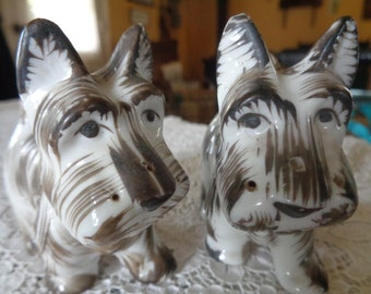 VIntage Scottie Dog Salt and Pepper Set