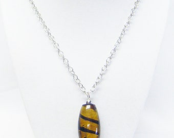Tan/Brown Swirl Oval Glass Bead on Silver Plated Bead Pin Pendant Necklace