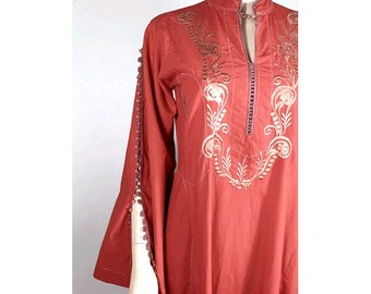 1970 embroidered caftan red cotton small