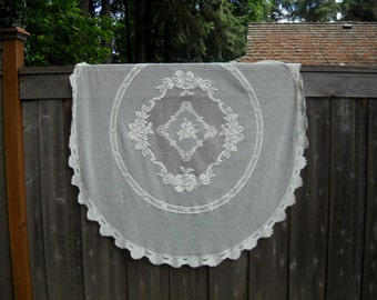 Retro Lace Tablecloth, Lovely, Oblong