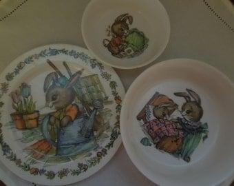Vintage Oneida Deluxe Children's Dishes Bunny Rabbits