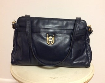 Vintage black leather Etienne Aigner purse