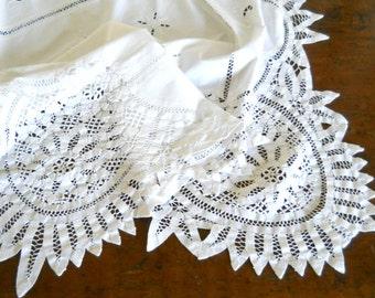 white Battenberg tablecloth Battenberg lace tablecloth vintage white tablecloth Battenberg lace tablecloth