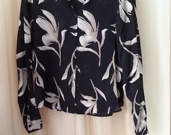Jones New York Silk Blouse. Flower Pattern. Womens Size 12.