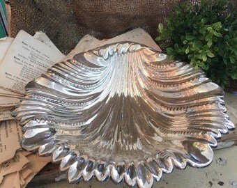 Silver Plate Sea Shell Dish Footed Dish Fish Feet Made In England