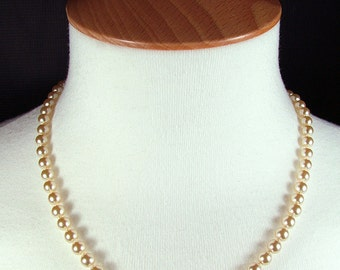 "18"" Vintage Re-Strung Boxed Faux Pearl Necklace With Diamante Clasp"