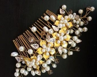Bridal flower wedding hair comb- bridal hair comb- gold oearl and flowers-gold hair comb-wedding hair accessories