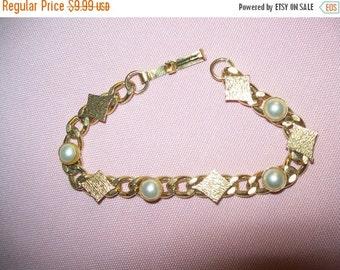 SALE 60% Off vintage goldtone white bead bracelet, vintage bracelet