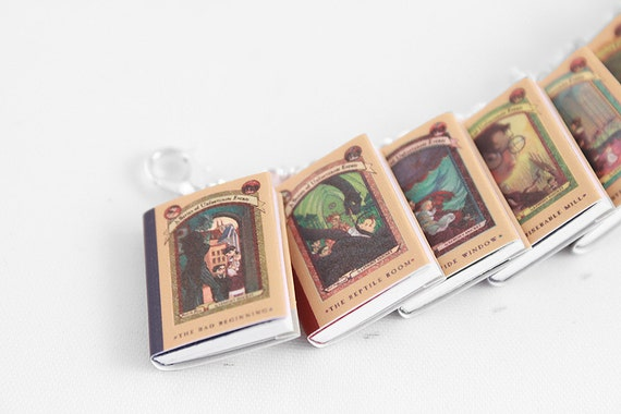 A Series of Unfortunate Events Miniature Book Bracelet - Book Jewlry, Doll House Miniatures, Geek Gift, Children's Book