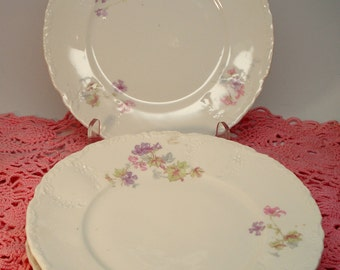 Vintage Wedding Luncheon Plates Salad Plates Purple Floral Shabby Cottage Chic Set of 4 Vintage Bridal Shower