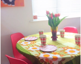 Stunning 1970's Tablecover- Orange and Green Flower Power Tablecloth- Vintage Kitsch Mod Flowers- Mid Century Homewares- Floral Retro Home