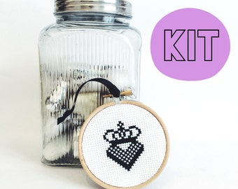 Heart Crown Decoration Modern Cross Stitch Kit - easy chart design - Christmas xmas decoration tree bauble gift - beginners gift sewing kit