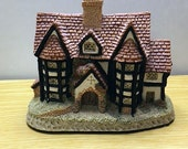 David Winter, Shirehall, 1985 David Winter, Christmas Display, Fairy Garden, Cottage Statue, David Winter Cottage, Collectible Cottage