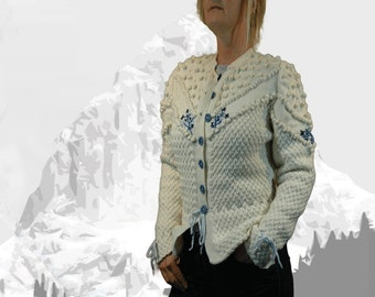"Ladies cardigan with Austrian Inspiration ""Maligne Lake"" cream with blue embroidery - the perfect companion for denim"