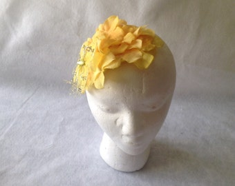 Yellow Fascinator, Yellow Wedding Fascinator, Yellow Flower Fascinator, Children Fascinator, Bridesmaid Fascinator, Teardrop Fascinator