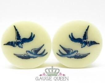"""Plugs / Gauges Blue Willow Birds. 4g /5mm, 2g /6.5mm, 0g /8mm, 00g /10mm, 1/2"""" /12.5mm, 9/16""""/14mm, 5/8""""/16mm, 3/4""""/19mm, 7/8""""/22mm, 1""""/25mm"""