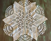 Crocheted Doily / Vintage Cotton Star Shape Off White Doily for Holidays, Table Setting, Display, Gift Giving