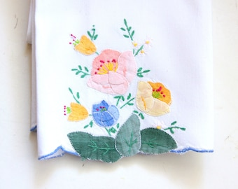 Linen Hand Towels Hand Applique and Embroidered - White Towel with Applique and Embroidery of Flowers and Leaves -  Vintage Tea Towel