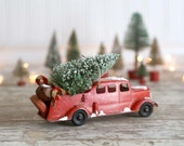 Vintage Red Fire Truck and Christmas Tree, Metal Fire Truck and Christmas Tree Red Truck Bottle Brush Tree Country Farmhouse Christmas Decor