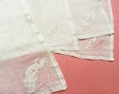 Linen Napkins, Set of 4, Vintage Linen Napkins, Easter Napkins, Handkerchief Linen Napkins, White Cloth Napkins, Embriodered, Vintage Linen