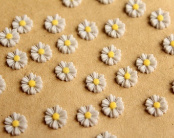 20 pc. Light Grey Two-Tone Daisy Flower Cabochons 9mm | RES-600