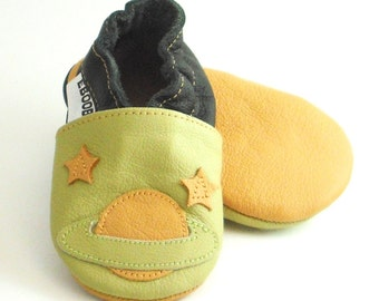 soft sole baby shoes infant handmade space olive yellow 0 6 Lederpuschen chaussons chaussurese garcon  bebes cuir souple ebooba SC-9-O-T-1