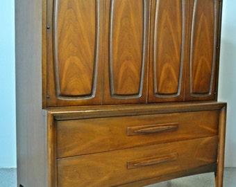 mid century modern Broyhill Emphasis walnut gentleman's chest dresser