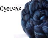 Roving - Blended tops - merino wool - Tussah silk - 100g - 3.5oz - CYCLONE