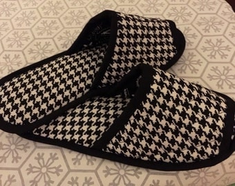 Bedroom Slippers, Spa slippers, Indoor Shoes, House Slippers, checkered print black white Cotton