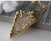 VALENTINE Sale Beige Druzy Arrowhead Pendant, Necklace, Dagger Sparkling Pendant, Arrow Head Druzy Pendant, Off White, Natural Druzy Jeweler