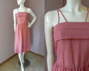 Vintage 1960's Pink/Mauve Color Summer Dress / Crepe Fabric Spaghetti Strap Dress / Nipped Waist / Full Skirt
