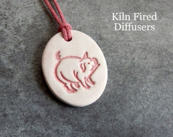 Pig Essential Oil Diffuser Clay Jewelry Aromatherapy Rustic Necklace Pendant Hypoallergenic Natural Kiln Fired Pottery Waterproof Unglazed