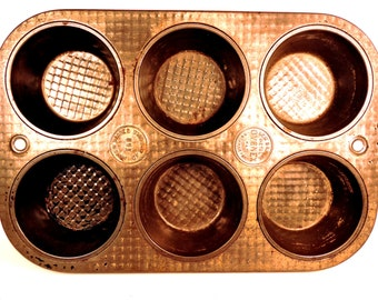 Muffin Baking Pan Vintage Rustic Textured Ovenex Metal Tray Farmhouse French Bakery Quilted Craft Jewelry Display Kitchen Photo Prop