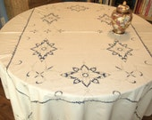 LINEN TABLE CLOTH and 6 napkins - Off White Ecru Square Large Elaborate Embroidery - Excellent Fine Vintage
