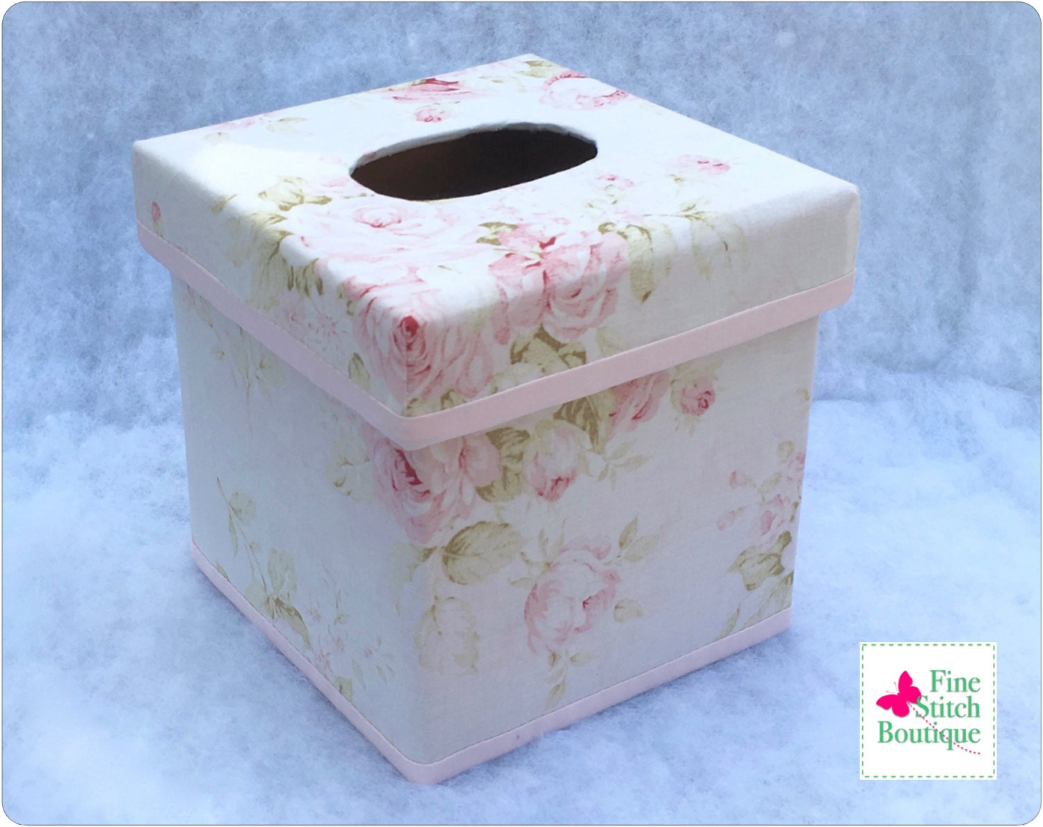 Vintage chic floral tissue box cover shabby cottage chic for Tissu shabby chic